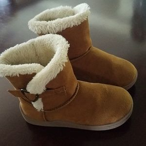 Faded Glory Girls fuzzy boots